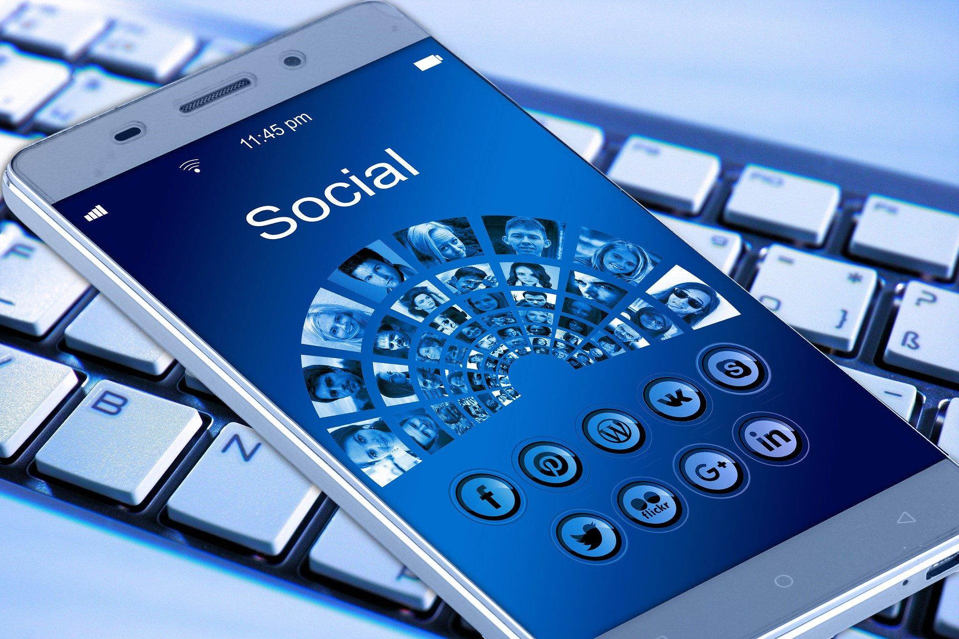 creare reclame pe facebook si instagram